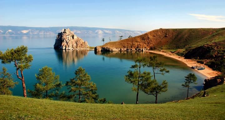 Озеро Байкал - глубочайшее на планете